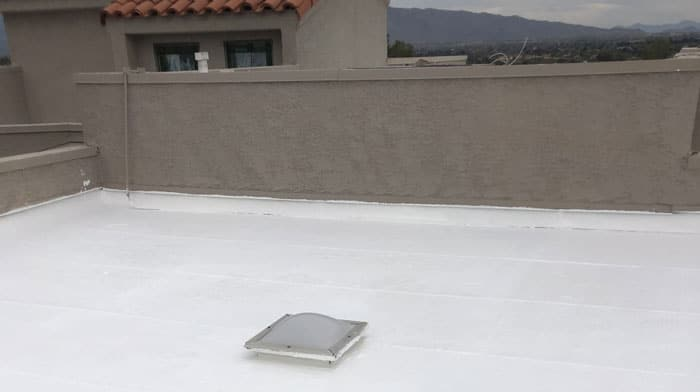 a Tucson roof benefiting from white roof coating